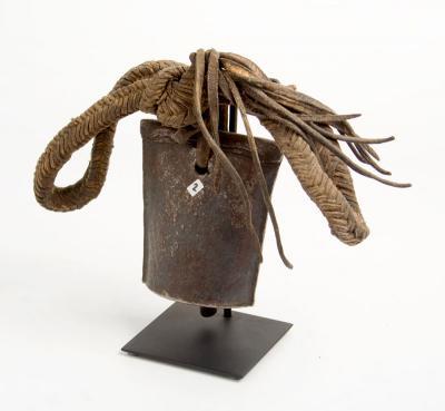 Karamajong cow bell metal M (Sudan)