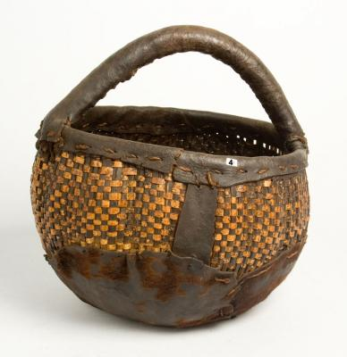 GURAGE basket WITH HANDLE (Ethiopia)