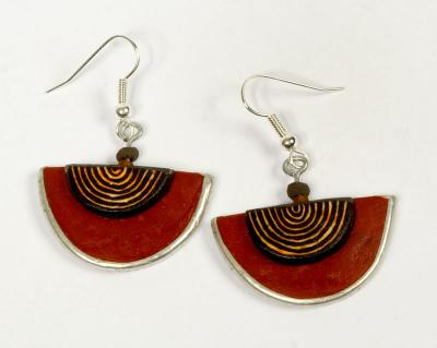 EARINGS LAYERED HALF MOON RUST